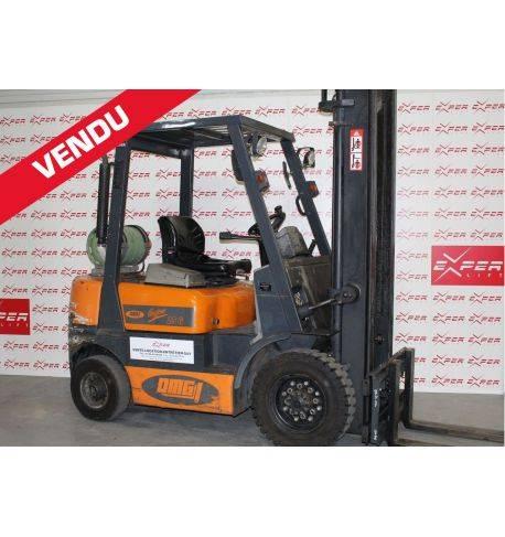 23867 - Chariot élévateur gaz OMG 2500 kg