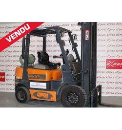 Chariot élévateur gaz OMG 2500 kg