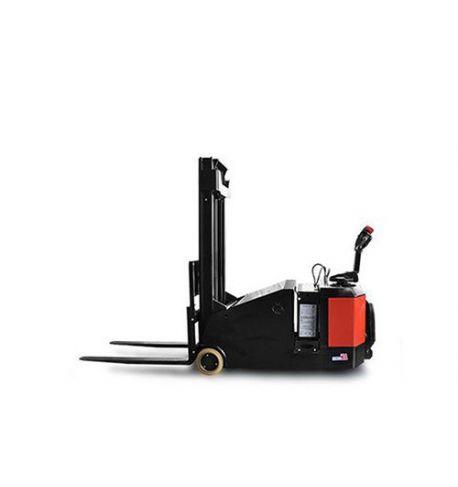 Location gerbeur électrique porte-à-faux porté EP 1500 kg